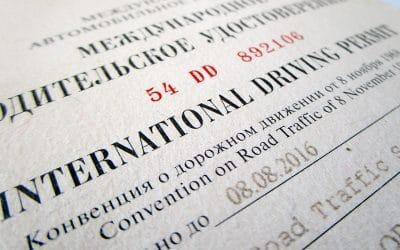 Faut-il faire traduire mon permis de conduire pour mon road trip cet été ?